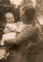 Photograph of Marion Robertson Banting with baby William Banting ca. 1929